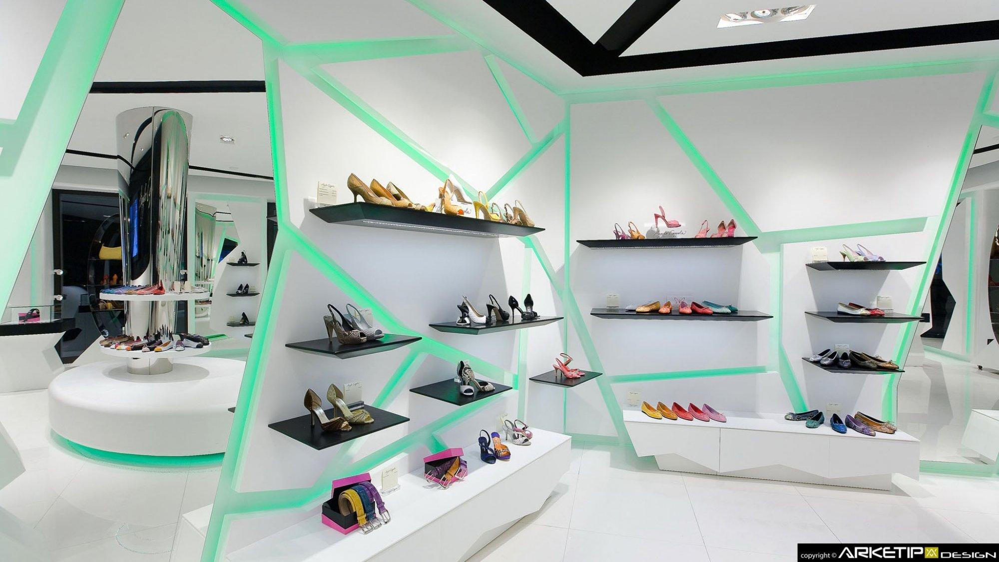 Allestimento negozio scarpe tr81 regardsdefemmes for Negozi arredamento monza
