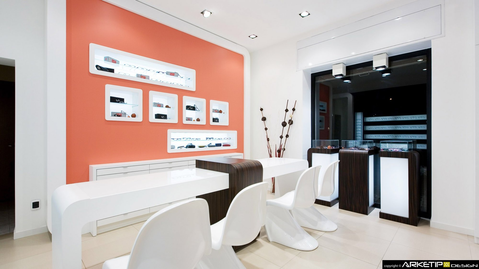 Negozi Ferrara : Arredamenti per negozi ferrara. Arredamento negozi ...