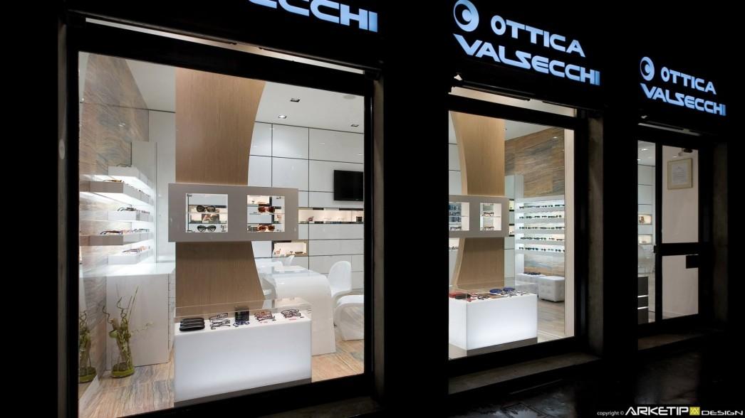 Arredamento Ottica - Progettazione su misura negozio ottica per Ottica Valsecchi